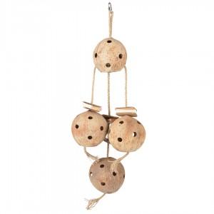 Hanger met vier kokosnoten.
